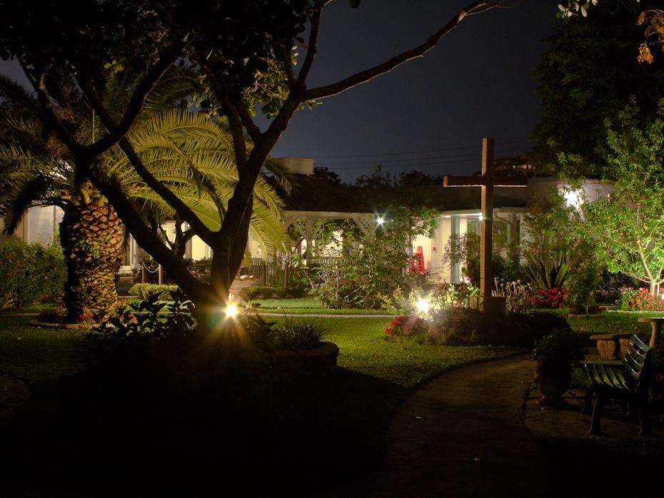 Community Church Courtyard Key Biscayne