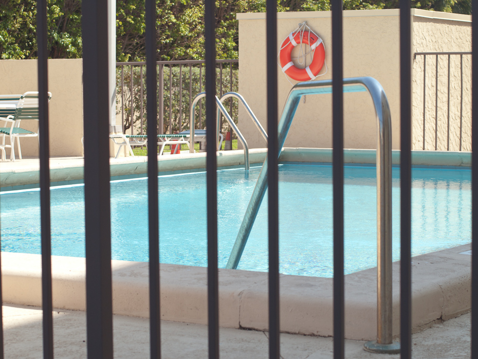 Pool Bar Key Biscayne