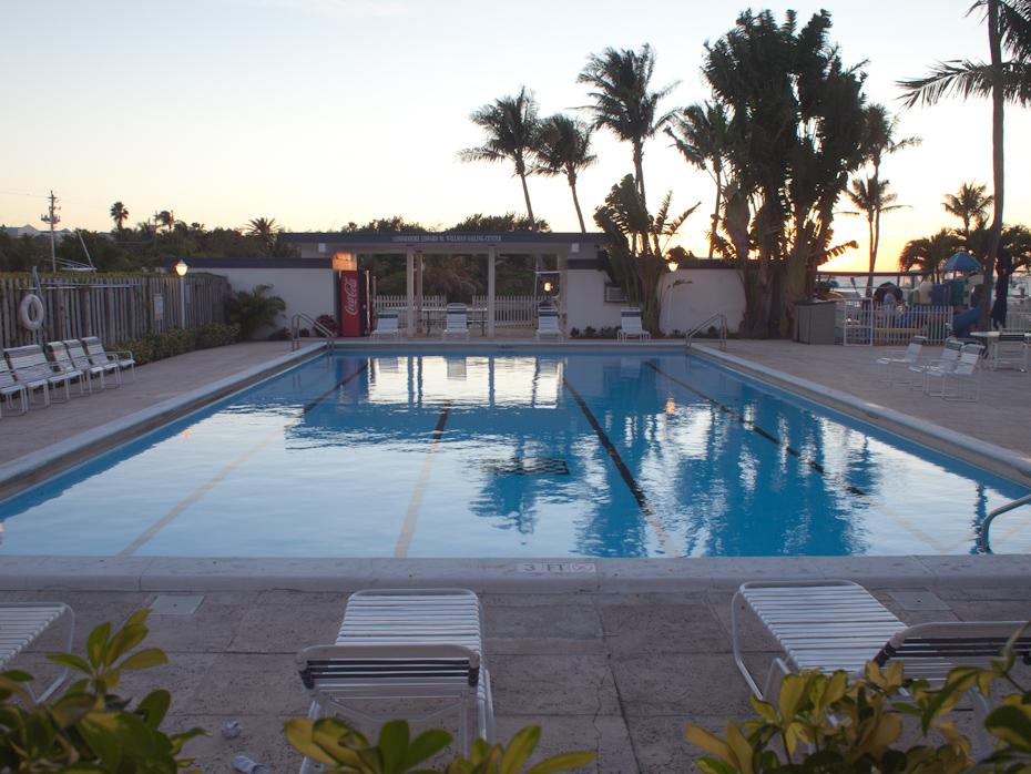 Yacht Club Pool